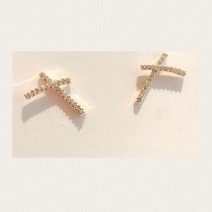 Stunning Gold-plated X Cubic Zircon Stud Earrings